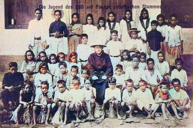Karolinen. Die Jugend des 1910 auf Ponape rebellischen Stammes.