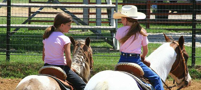 Mädchen auf Pferde