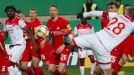 Vorentscheidung in Kaiserslautern: Rouwen Hennings trifft zum 4:2.