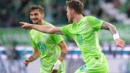 Freude über den Freistoß-Trick: Weghorst trifft zum 1:0.