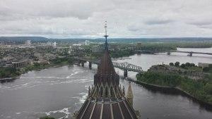 Sommet Parlement et vue sur le quartier Hull de Gatineau