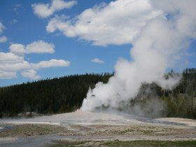 Upper geyser basin Grand geyser