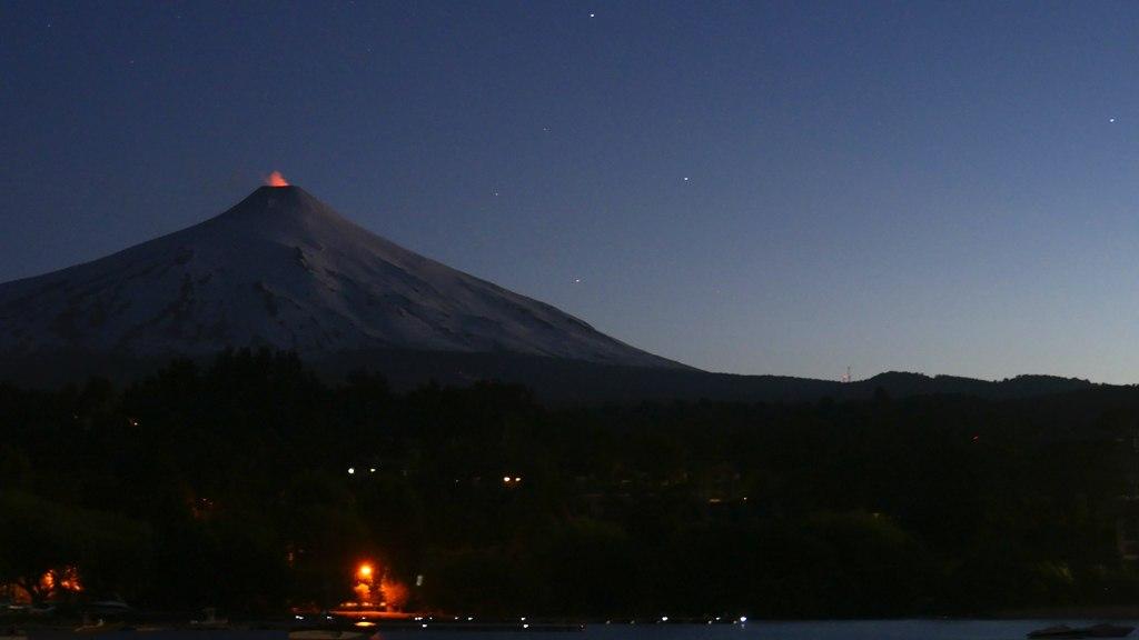 Volcan Villarica à Pucon de nuit