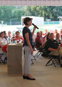 Lt. Gov. Kim Reynolds speaks to Orchard dinner guests.