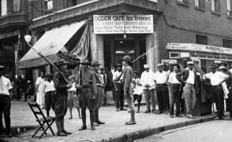 1. chicago-race-riots-1919-cafe.jpg