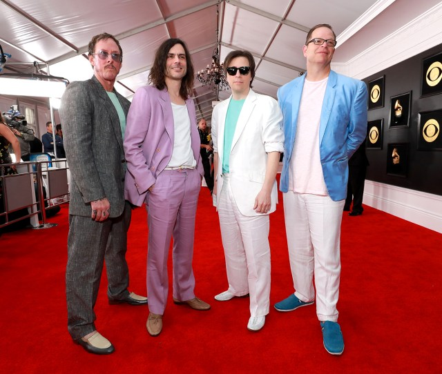 Weezer Took The The Tonight Show In A Time Machine To The 80s On Thursday Feb 28 By Joining Jimmy Fallon And The Roots To Perform A Has Iconic Take On