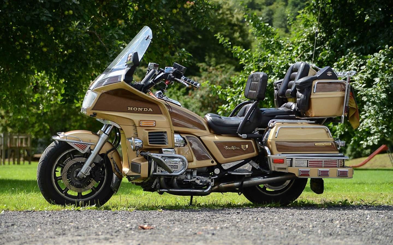 Honda Goldwing 1200 – Auf in neue Dimensionen mit der GL 1200
