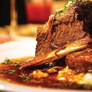 St. Supéry Braised Short Ribs with Creamy Mascarpone Polenta