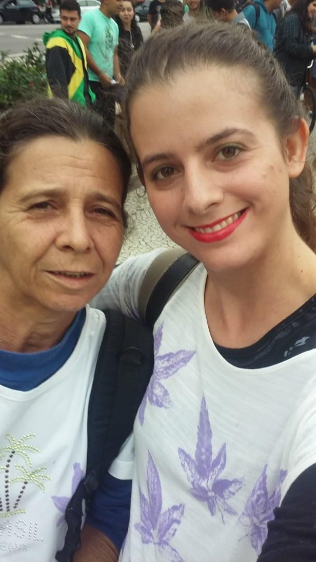 Eu e minha mãe no início da Marcha