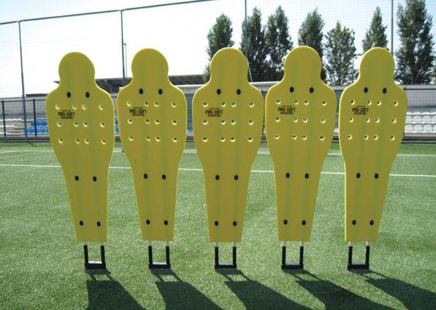 barett soft f 620x441 - Манекен BARRET — закадровые особенности тренировок в футболе
