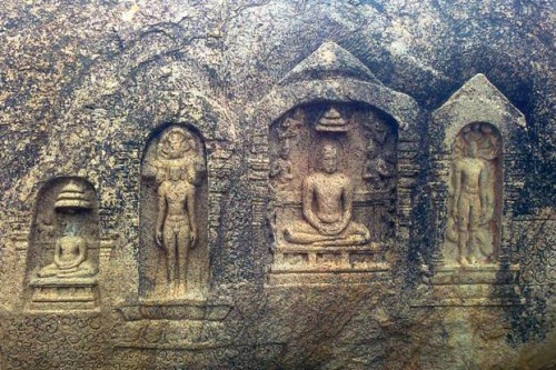 Jain carvings in the Samanar Hills. Photo: Wikipedia Commons