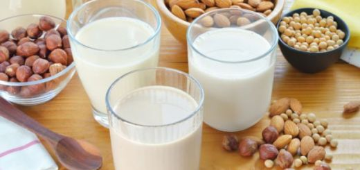 Milk made from nuts v/s cow's milk. Which milk is the best for you?