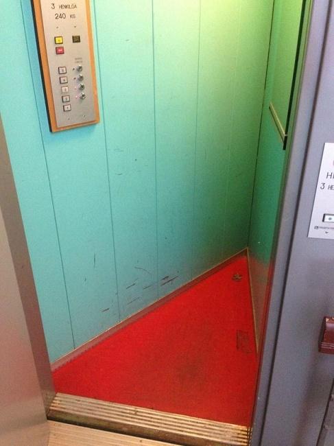 A triangle elevator