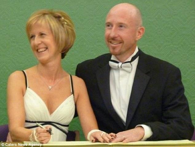 Pamela Hunt married Vince Coombs