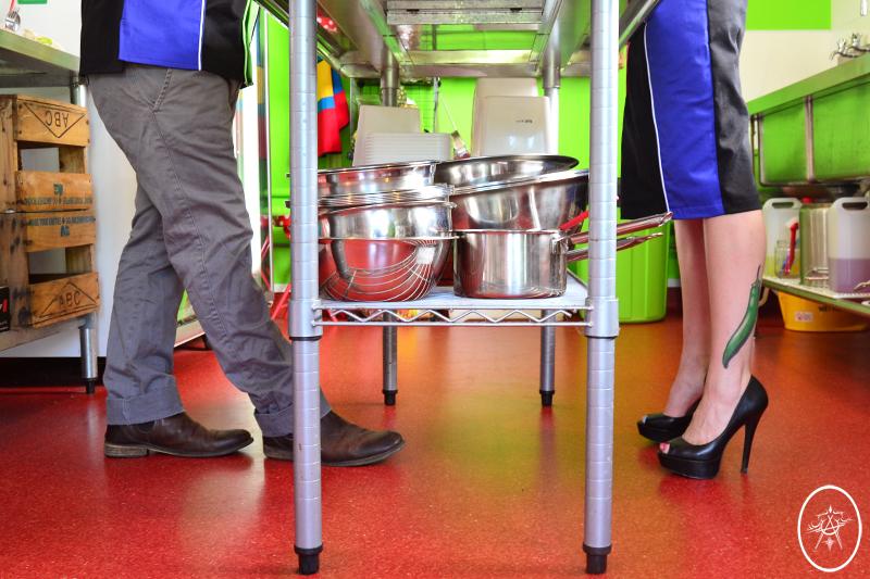 devel_luckyshirtskirt_legs