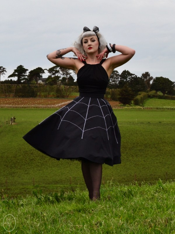 Luci Luxe in The Black Widow Skirt | Devel Women