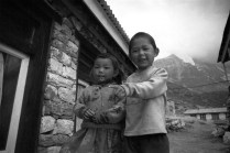 Children playing in Langtang village, April 1999