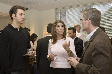 Comment mieux communiquer De nos jours, un des éléments de la réussite consiste à pratiquer une communication efficace