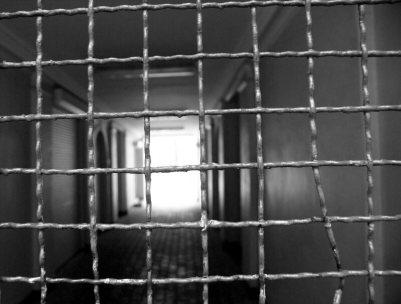 prisonnier-enfermement-cerveau-tete