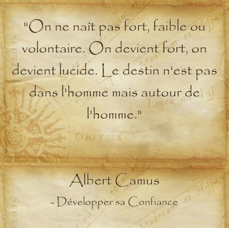 Réflexion d'Albert Camus sur l'importance de se réaliser et de garder espoir