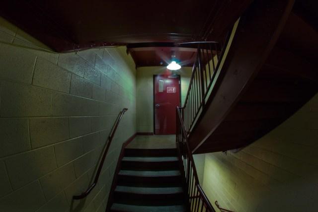 i'm a big scary ghost haunting a hallway boo