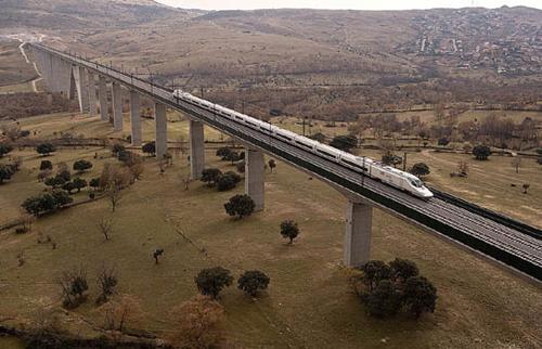 El AVE por Castilla y León