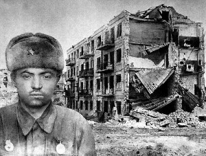 Montagem com a foto de Yakov Pavlov e o Prédio de Apartamentos que recebeu seu nome (Fonte: stalingrad.net / Autor: Desconhecido)