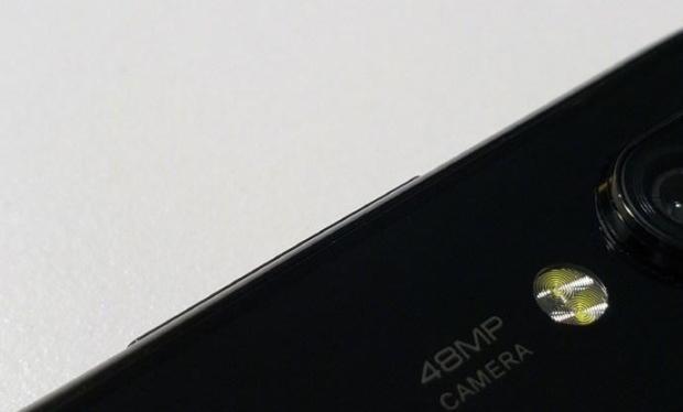 В Сеть слили изображения Xiaomi Redmi 7