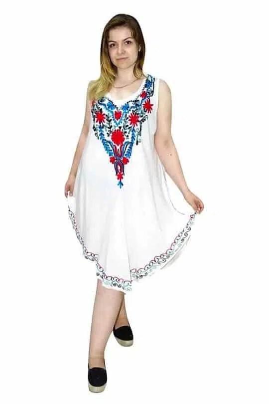 hímzett fehér nyári ruha