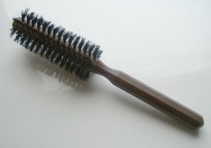 Roundhairbrush