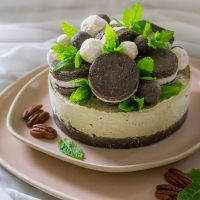 Lemon Balm-Mint Oreo Cake