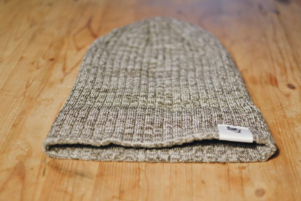 Heather stone brown toque with Beelzebeer logo showing uncuffed