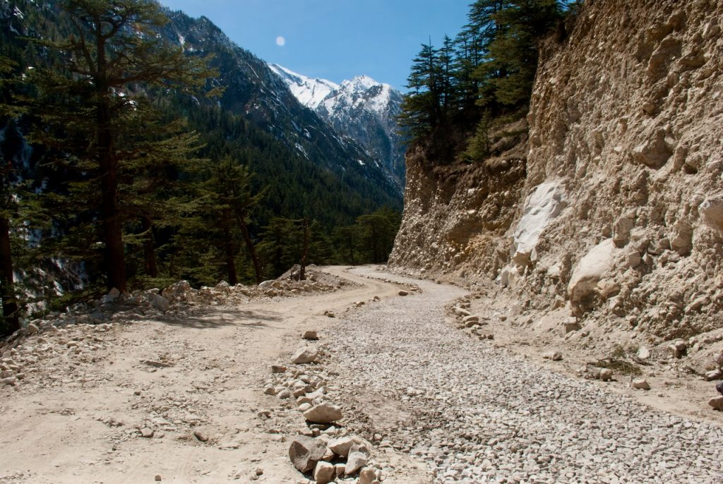 Road conditions between Gangotri and Harsil