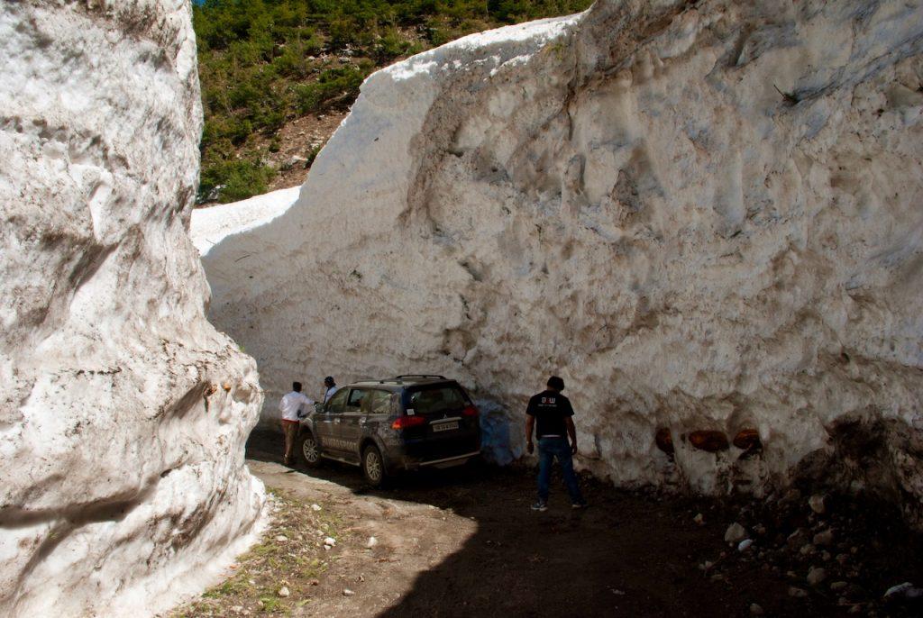 Snow walls at Dharali between Gangotri and Harsil