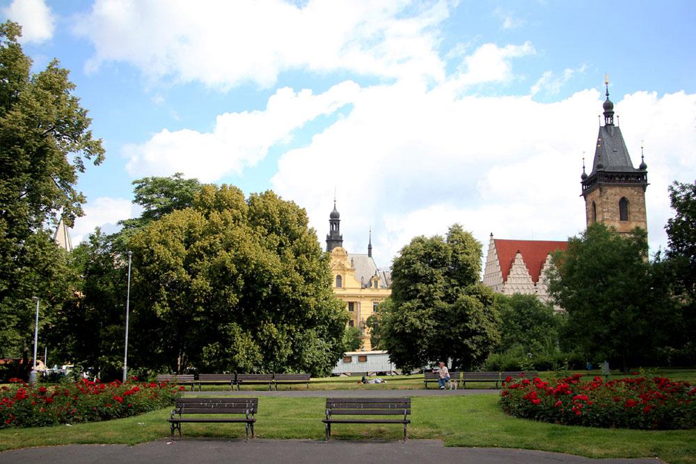 Prague Free & Easy