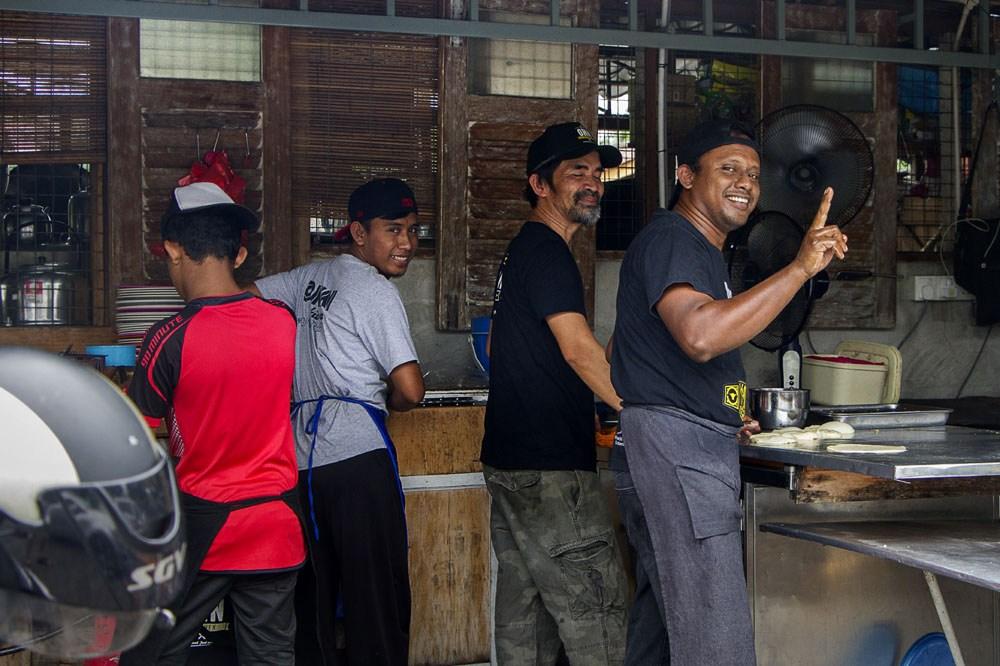 Onn Kitchen, JB