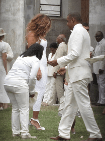 A photographer was able to grab these photos outside at Solange and Alan Ferguson's wedding in New Orleans on Sunday, Nov. 16.
