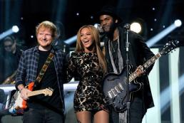 Ed Sheehan, Beyoncé, and Gary Clark Jr. performing at Stevie Wonder: Songs In The Key of Life – An All-Star Grammy Salute event on Feb. 10, 2015.