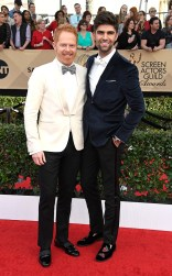 Jesse Tyler Ferguson and Justin Mikita at the 2017 Screen Actors Guild Awards (SGA Awards) Red Carpet on Jan. 29, 2017.