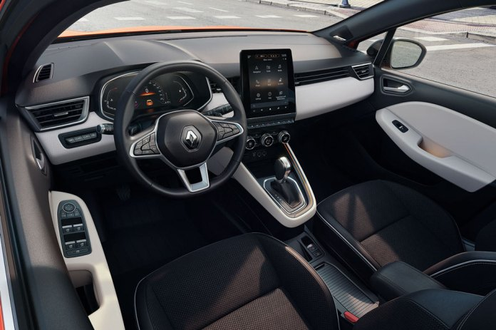All_New_Renault_Clio_Intens__2_