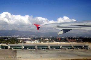 http://en.wikipedia.org/wiki/File:Terminal_Norte_Aeropuerto_la_Aurora.jpg