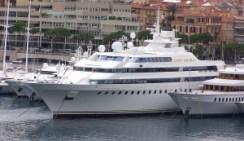 800px-Yacht_Lady_Moura_in_Monaco wikipedia public domain