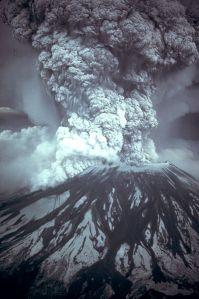 399px-MSH80_eruption_mount_st_helens_05-18-80 wikipedia public domain