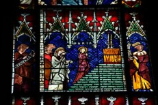 https://commons.wikimedia.org/wiki/File:Strasbourg_Cathedral_-_Stained_glass_windows_-_Detail.jpg