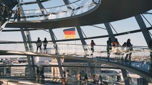 """Après les Pays-Bas l'Allemagne s'engage dans une politique de """"logiciel libre par défaut"""" open-source au sein des institutions publiques."""