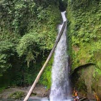 pesona air terjun tongkat