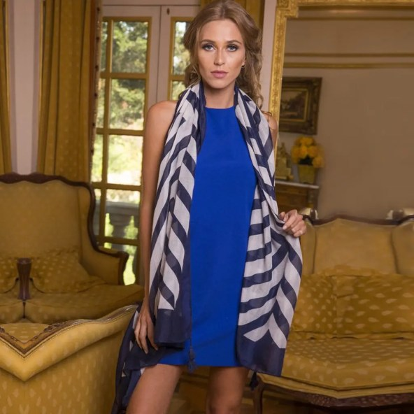Striped Scarf in Navy/White with Removable Tassels