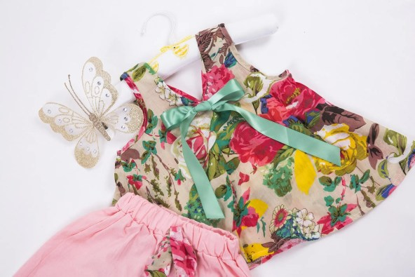 Floral Top & Pink Shorts Outfit