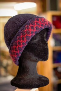 Handwoven Hat in Navy & Red