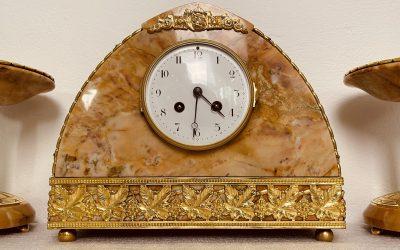 Frans, marmeren klokkenstel ca 1875